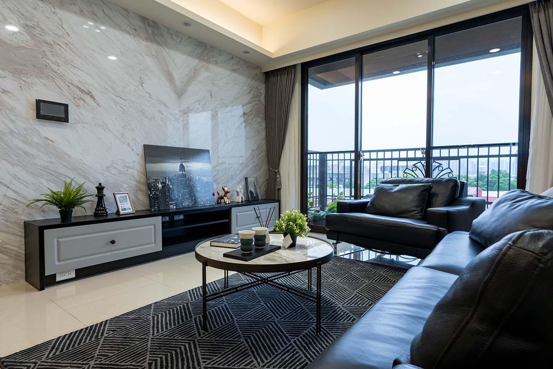 現代風-木紋元素電視牆;