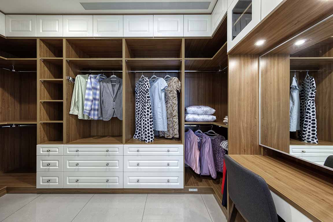 更衣室案例:潔白典雅 優雅古典風