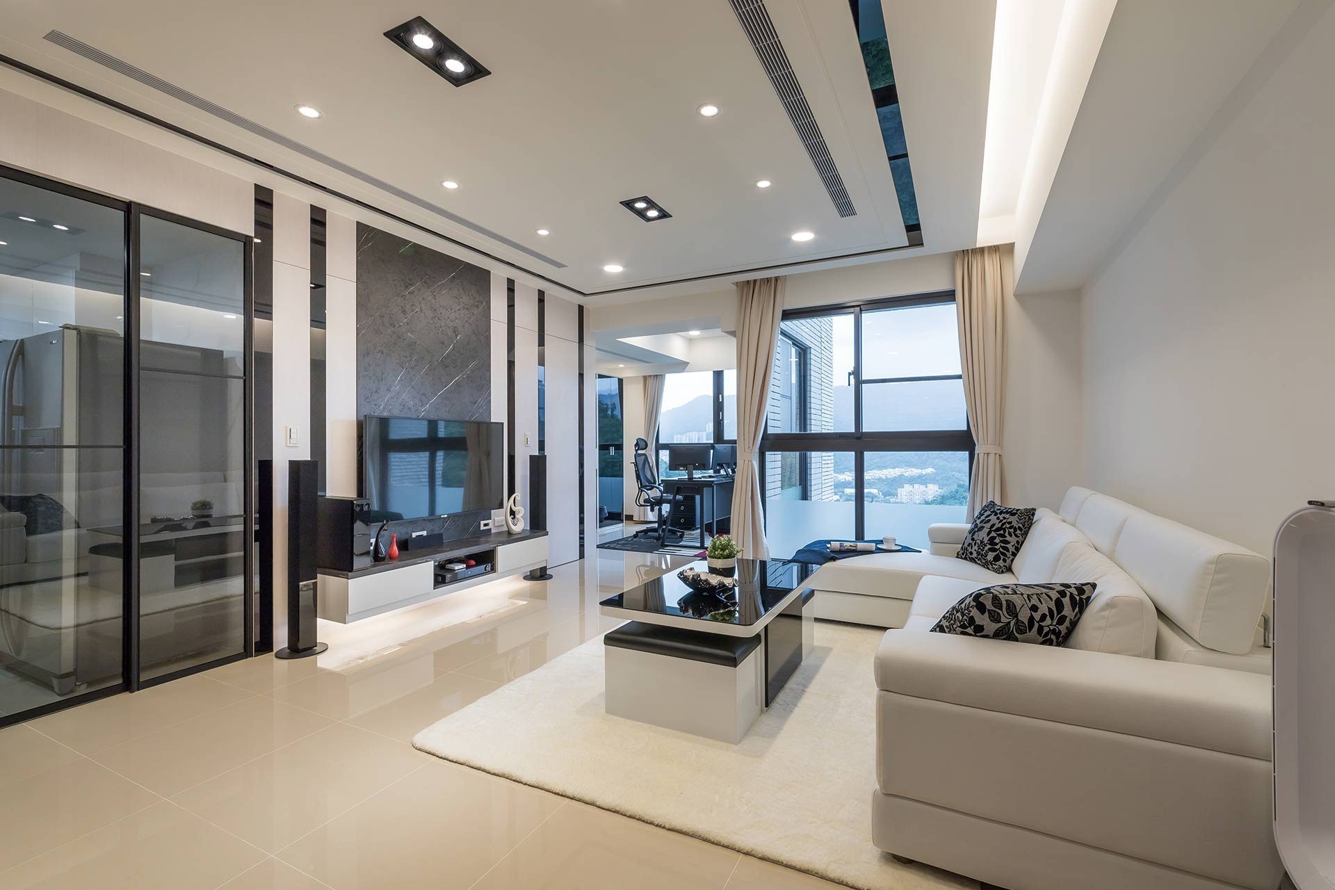 現代風格室內設計作品:個性現代風 退休宅黑與白的結合