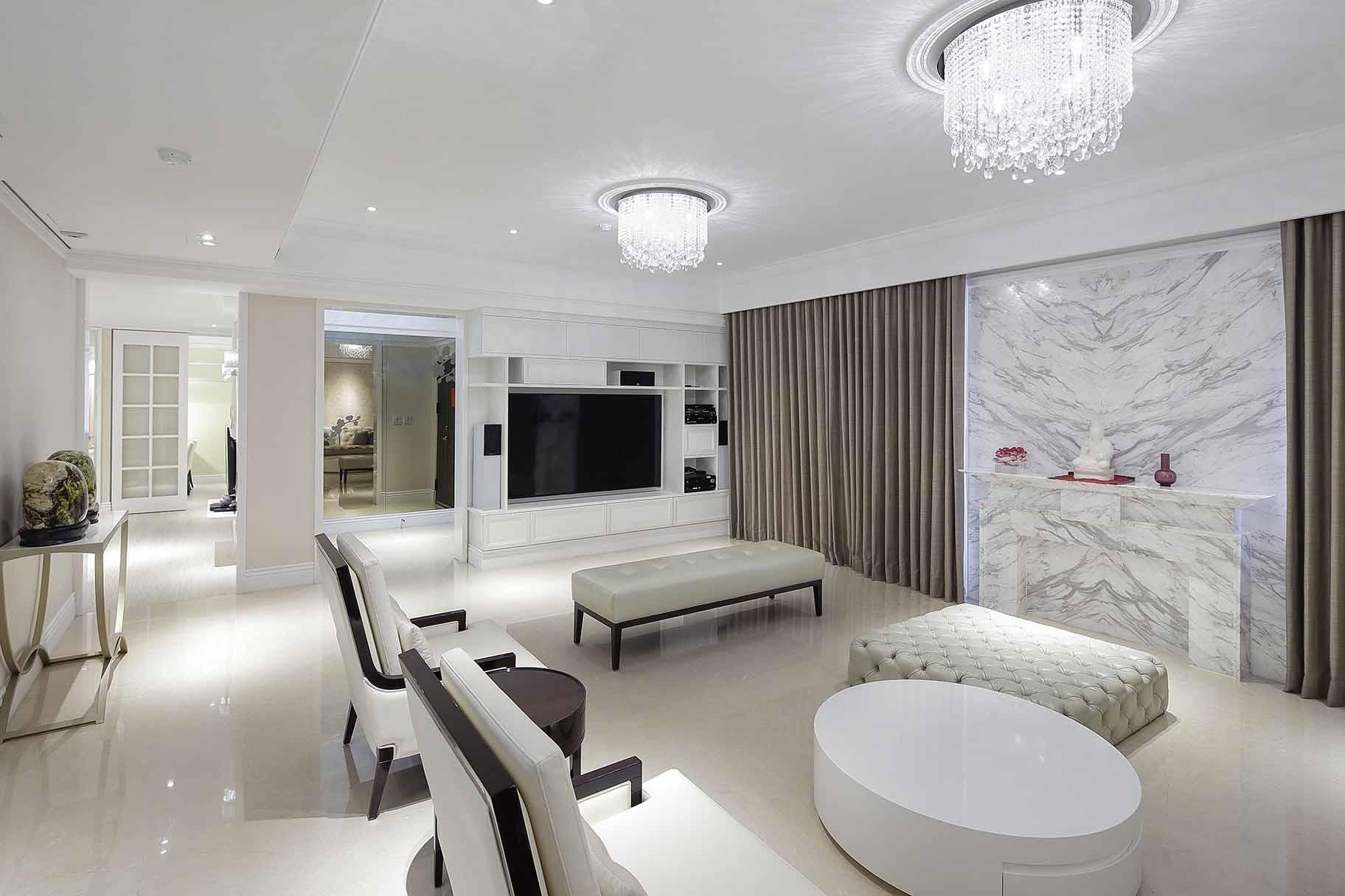 古典風的客廳-細膩的線條與輝煌的石材,可以賦予客廳精緻尊榮感;